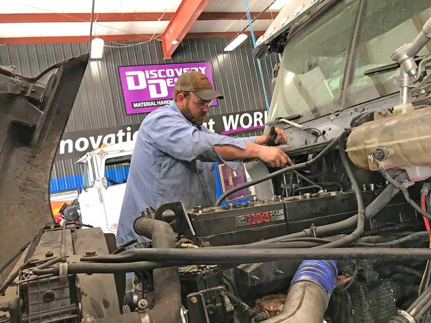 st. louis custom truck services